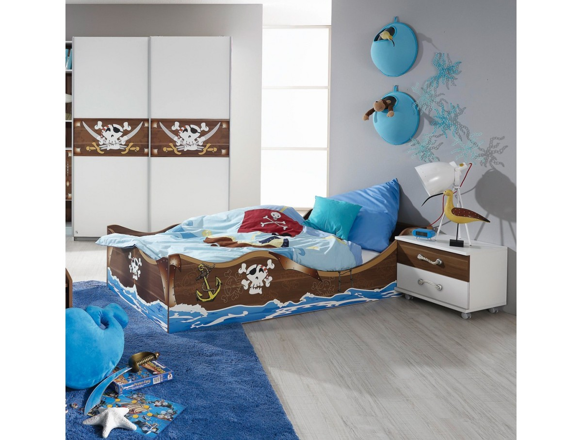 chambre pirate tidy home. Black Bedroom Furniture Sets. Home Design Ideas